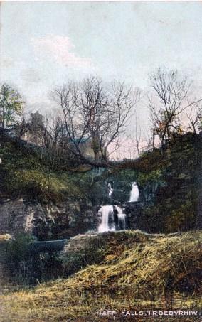 Taff Falls, troedyrhiw