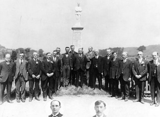 War Memorial & Committee (Cornelius Pryce, sculptor, 3rd from right)