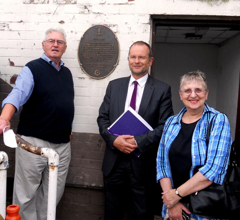Blomfield & Scarborough visit the ruins