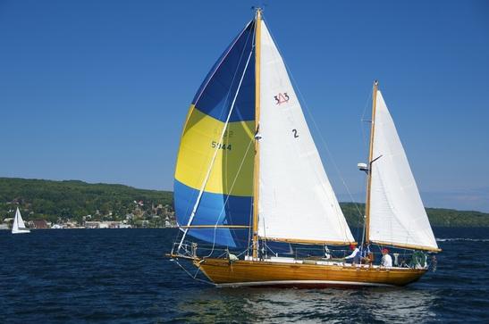 Manitou Sailing