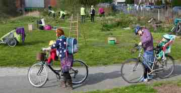 Volunteers and cyclists