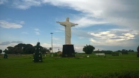 cristo redentor para representar o delivery em quirinópolis