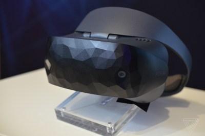 Windows Mixed Reality Headset HC102