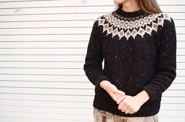 2017 FO-1 : Black yoke sweater