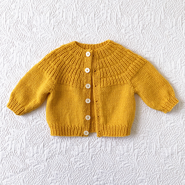 baby Anker's cardigan sweater (knitting pattern)