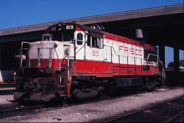 U25B 819 at Springfield, Missouri on September 18, 1978