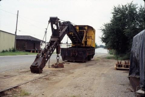 Crane 99020 at Springdale, Arkansas on September 2, 1989 (Ronald Estes)