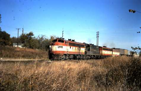 F7A 24 and GP7 629 at Sapulpa, Oklahoma, (date unknown)