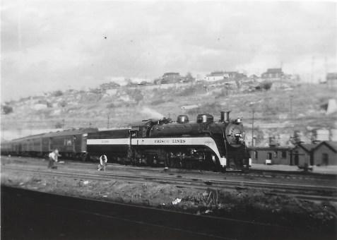 4-6-4 1069 at Kansas City, Missouri in October 1939