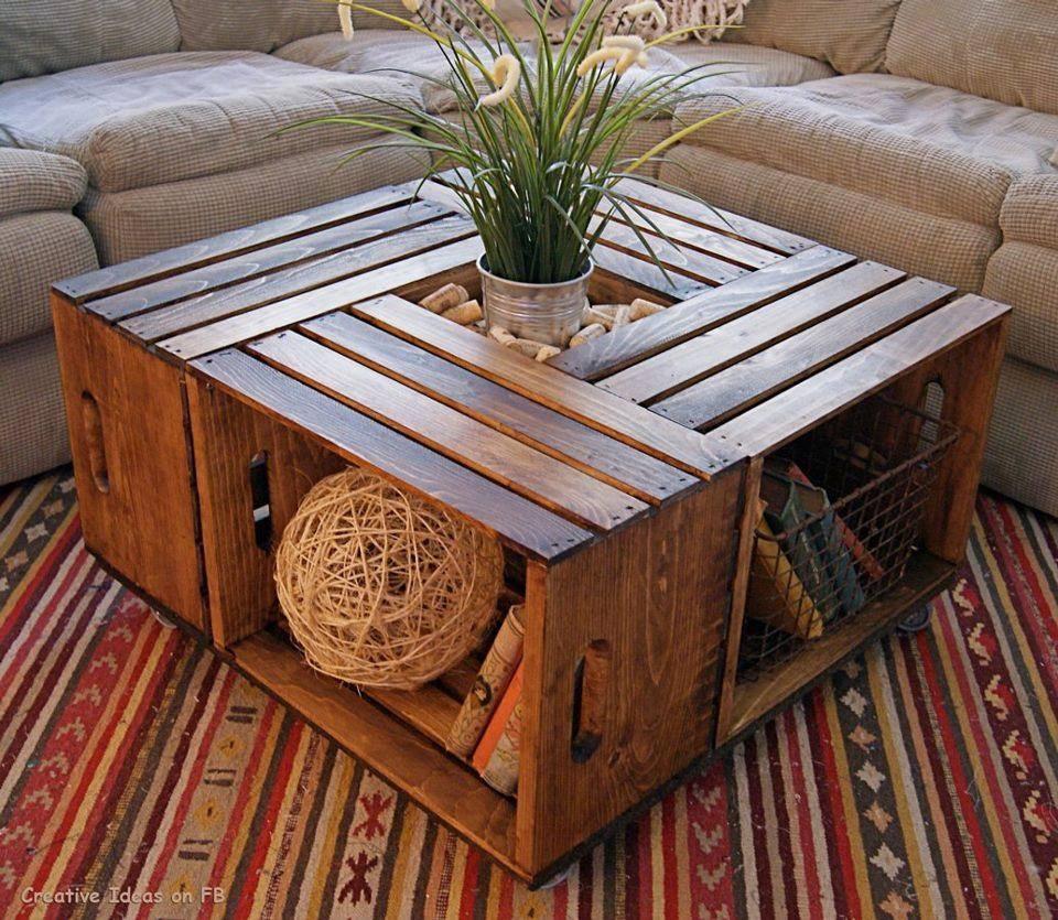 Caixote envernizado como mesa de centro