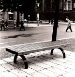 Stadtbänke und Stühle