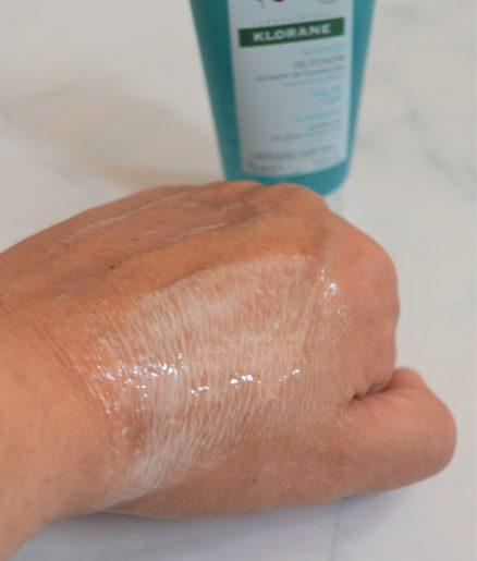 texture Cupuaçu à l'eau de Tiaré - Gel douche klorane