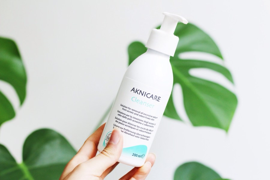 Synchroline Aknicare Cleanser review