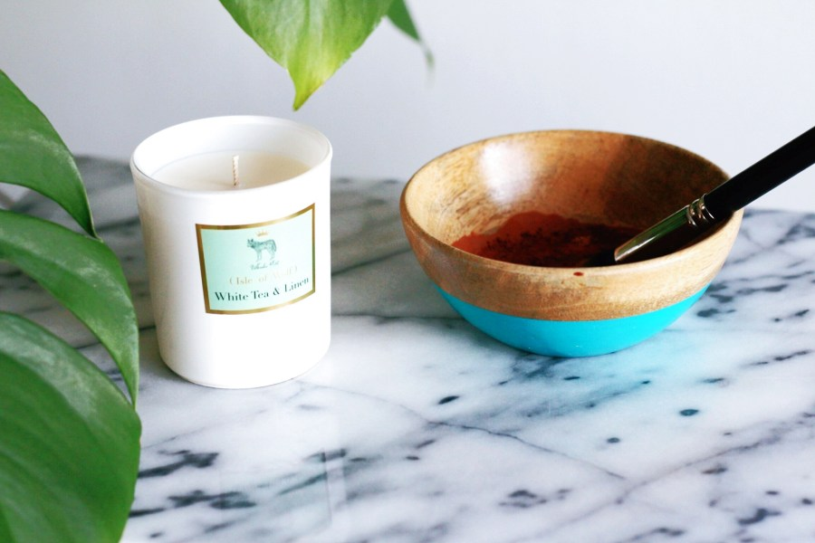 Isle of Wolf Pure Plant Wax Candles White Tea & Linen Valentine