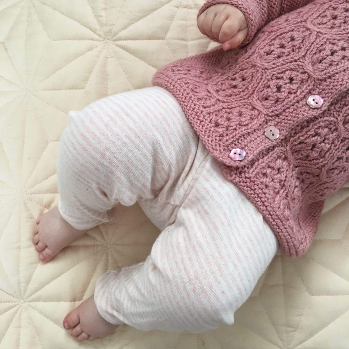 Vores første år med babystrik