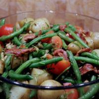 Lækker bønnesalat med kartofler og tomat