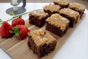 brownies, pistacienoedder, karamel, peanuts, chokolade