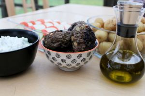 graesk-boef, tzatziki, nye-kartofler, graesk-salat