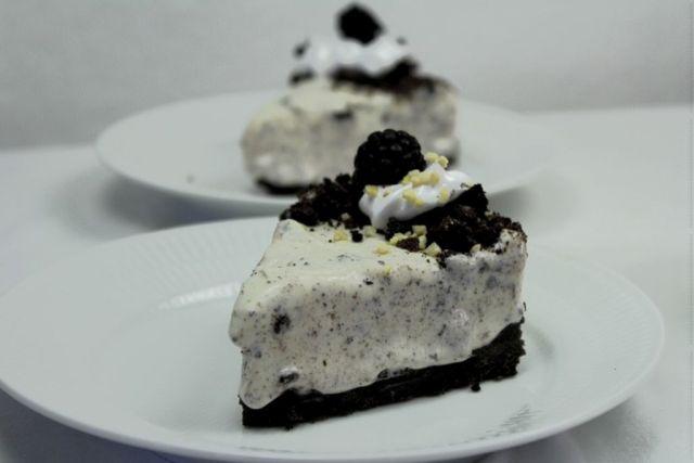 oreo-cheesecake, oreo, cheesecake, opskrift, hjemmelavet, islagkage, marengs, brombaer