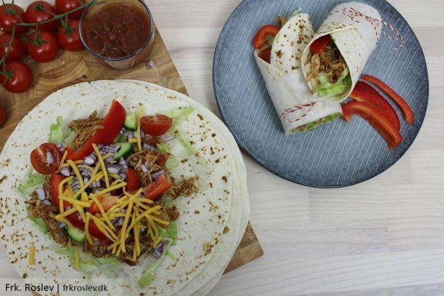 burritos-med-kylling, mexicansk-mad, burritos, avokado, roed-peberfrugt, opskrift