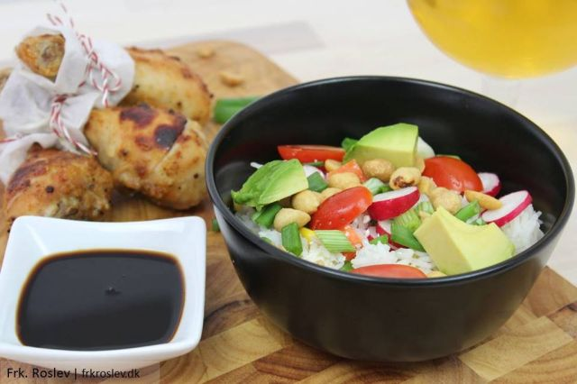 rissalat, grill-tilbehoer, salat-opskrift, avokado, cherrytomater, peanuts, salat, risopskrift