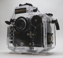 Nautilus製D7000ハウジング(背面)