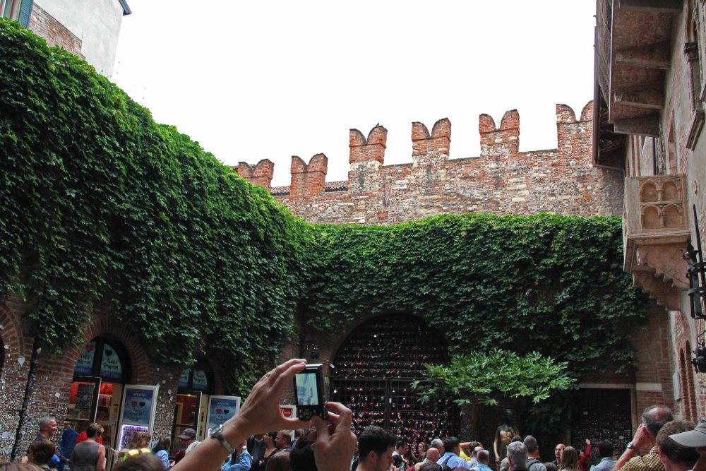 Verona, Italy - True Love and Letters Left At Juliet's House (5/6)