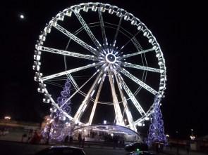 A ferris wheel in Place de la Concord