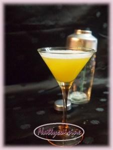Анатолий ,коктейль ,,дикая любовь,, в бокале для мартини...,
