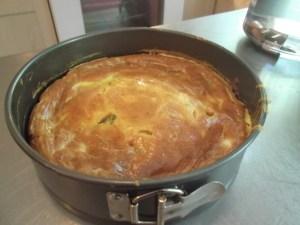 Заливной пирог без дрожжей с мясом.