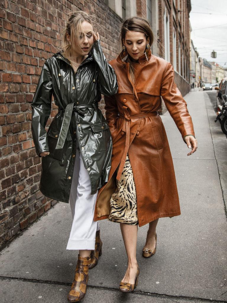 Laura & Deea von Les Factory Femmes