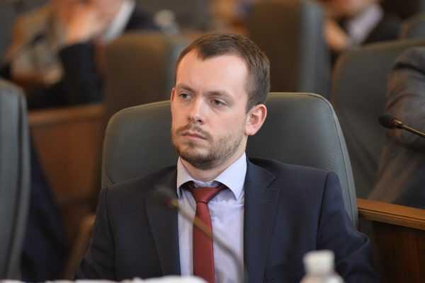 Дмитро Стеценко — чиновник з судимістю в КМДА з ОПГ Петра Оленича