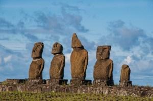 Moai Row