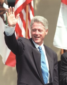 ME.Clinton.#1.0611.RM/f President Bill Clinton waves to the audience at Glendale Community College. Rick Meyer/LAT TUE FOLDER Mandatory Credit: Rick Meyer/The LA Times