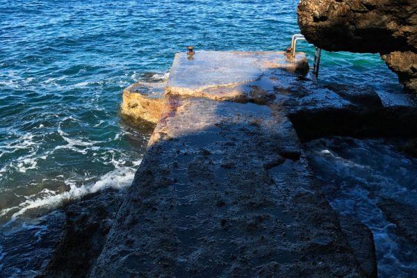 digue-sentier-du-littoral-cap-dantibes-e1497946685197-600x400