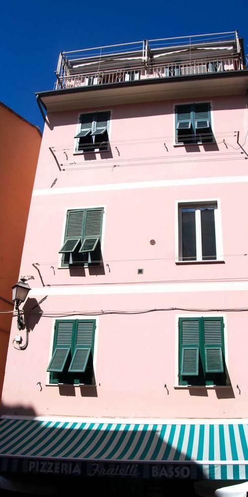 vernazza-cinque-terre-facade-village-italie