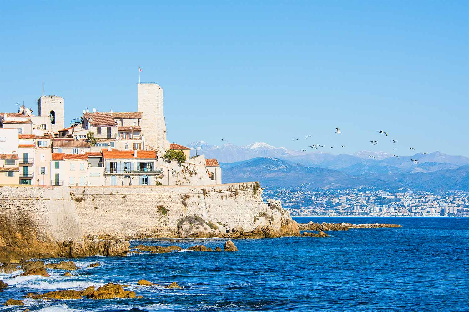 vieille-ville-antibes-blog