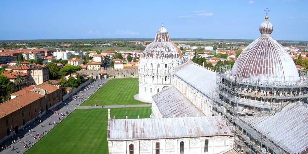 vue-tour-de-pise-cathedrale-toscane-italie