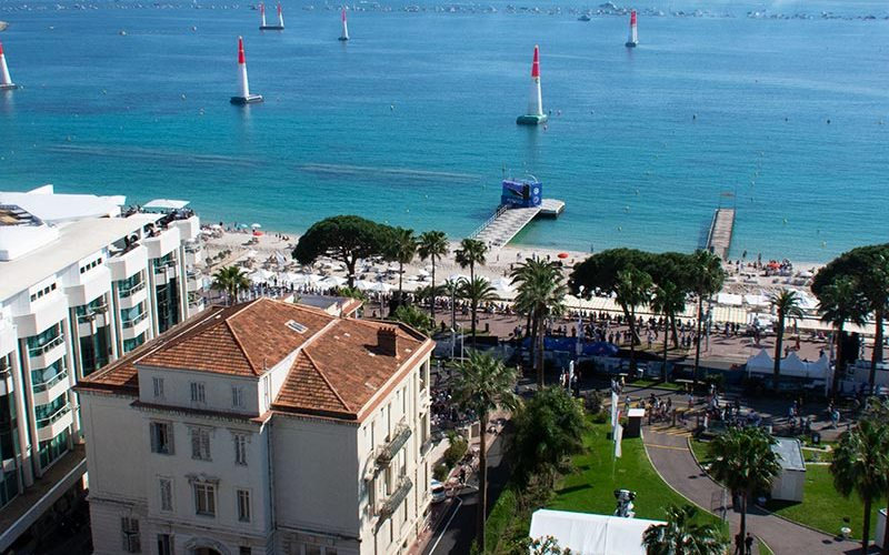 cannes-cote-dazur-france-croisette-red-bull-air-race