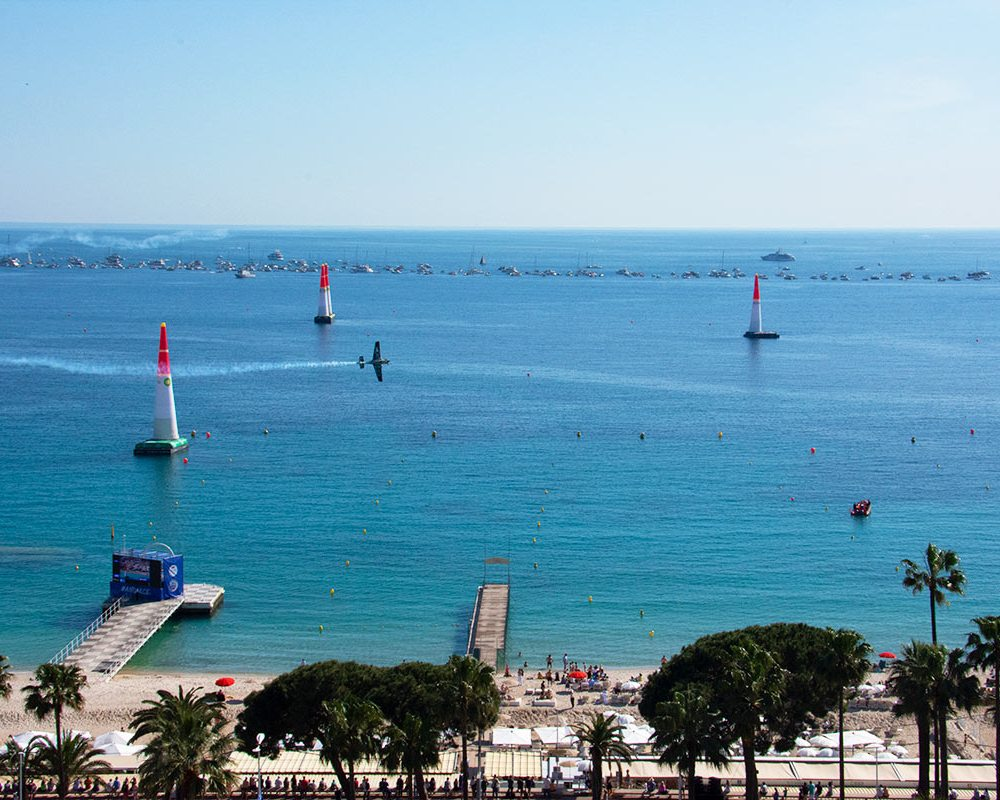 cannes-croisette-red-bull-air-race
