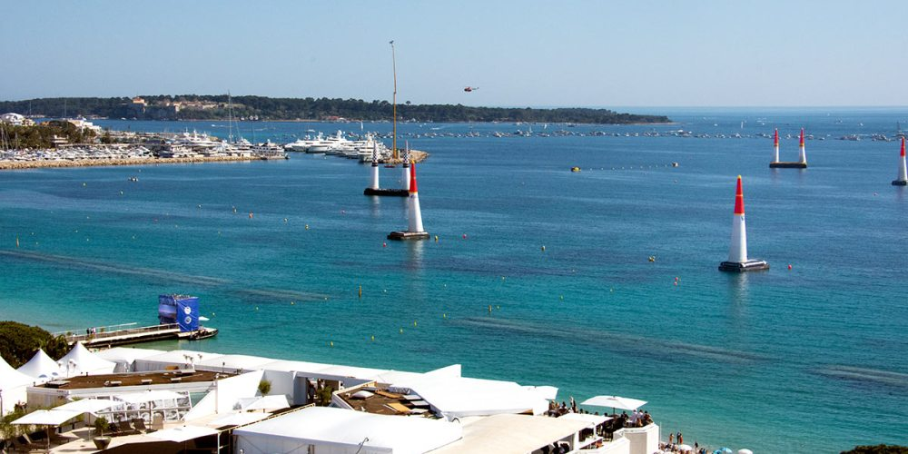 grand-hotel-cannes-vue-red-bull-air-race