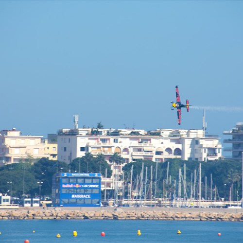red-bull-air-race-cannes-croisette-aviation