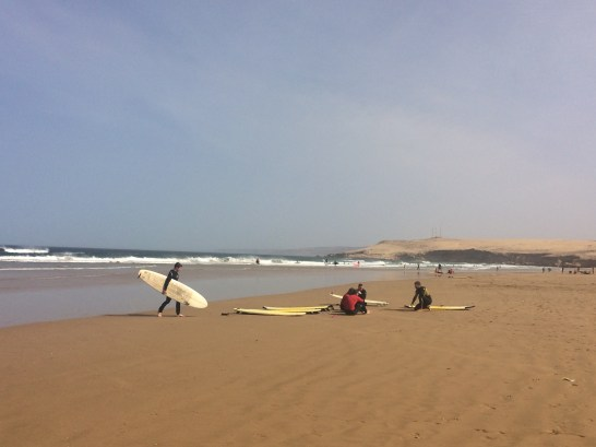 This place was great for advanced surfers but not for me, I got hit by my surfboard because of very big waves :(