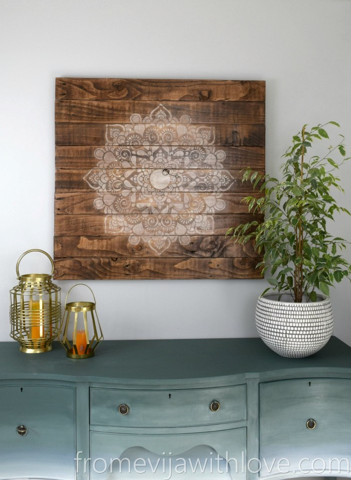 create a beautiful wall art from pallets and mandala stencil from evija with love. Black Bedroom Furniture Sets. Home Design Ideas
