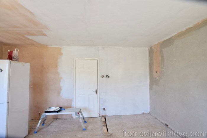 painting kitchen walls white