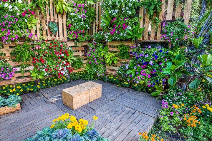 16+ Creative DIY Vertical Garden Ideas For Small Gardens