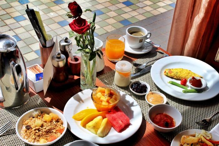 Sule Shangrila breakfast