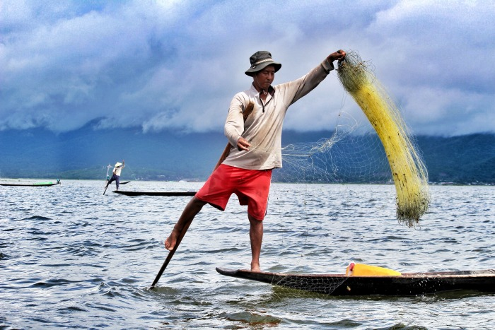 one legd fishermen inle lake