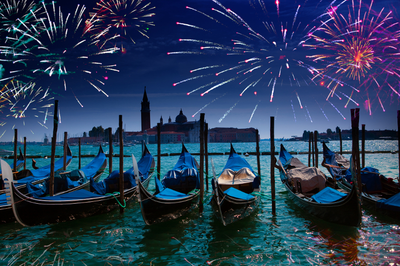 venice-new-years-eve-fireworks