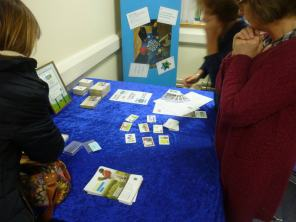 Karuta cards are showed at table